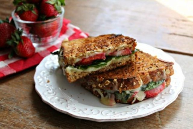 10 Sensational Meatless Sandwiches|Craving Something Healthy