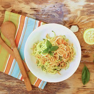 Lemon Parmesan Zucchini Noodles {Meatless Monday}