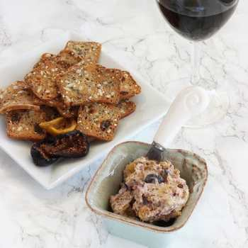 Roasted figs Blue Cheese & Walnut Spread|Craving Something Healthy