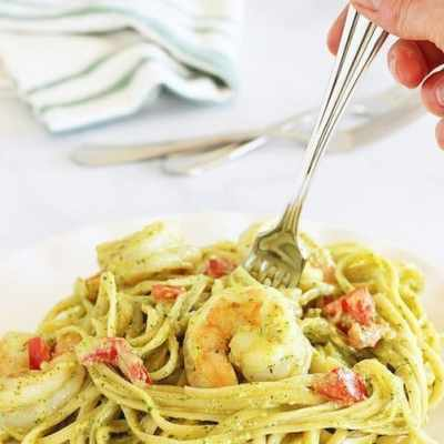 Fettuccine and Shrimp with Arugula Pesto Cream Sauce
