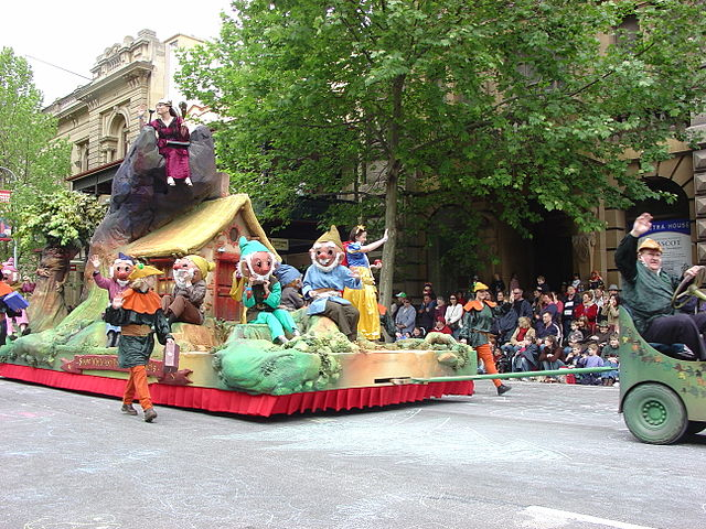 Adelaide Christmas Pageant is a popular parade in Australia consisting of floats, marching bands, clowns, dancing groups, and various performers.