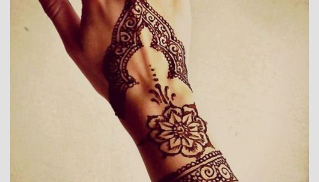 Great Style Circle Tiki Mehndi Designs For Hands Tiki Eid Mehndi