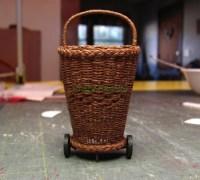 Плетение миниатюрной фруктовой корзины для кукольного домика