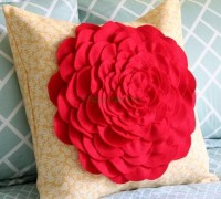 Подушка — цветок своими руками