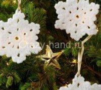 Елочное украшение — снежинка