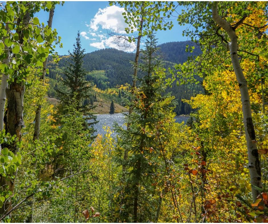 Colorado Hiking trails, Lakes in Colorado, where to go for a family hike in Colorado, Colorado outdoors, snowshoeing trails in Colorado, best trails in Colorado for first time hiking, easy snowshoe trails