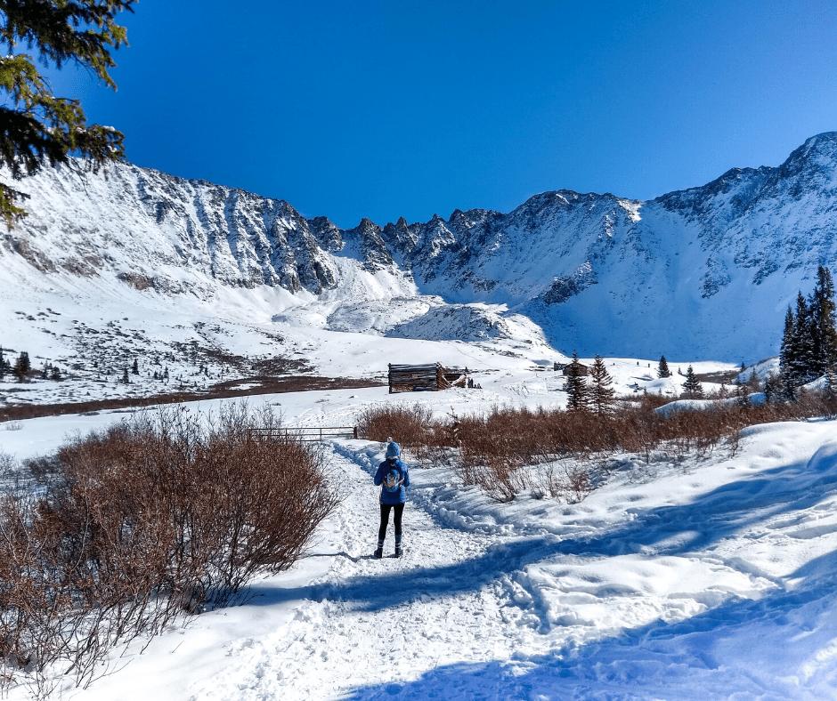 Summit County hikes, Hikes near Frisco, Where to snowshoe in Colorado, easy snowshoe trails, Colorado hikes, Beginner Snowshoe trials, backcountry skiing in Colorado, Breckenridge trails, Where to snowshoe near Silverthorne, hiking, snowshoeing, winter hikes in Breckenridge, winter hikes in Frisco, winter hikes, easy hikes, kid friendly trails, family friendly, Mayflower Gulch, crazyaboutcolorado, Colorado winter,
