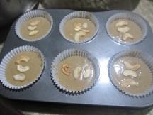 baking101-banana-bread-5-put-in-baking-pans4