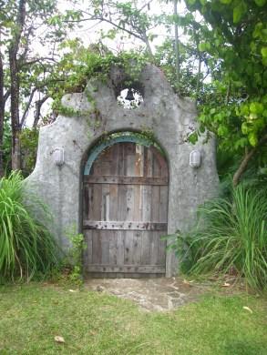 antipolo-roadtrip-pinto-art-museum-secret-garden