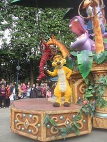 Hong-Kong-Disneyland-day-parade-10