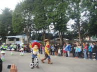 Hong-Kong-Disneyland-day-parade-12