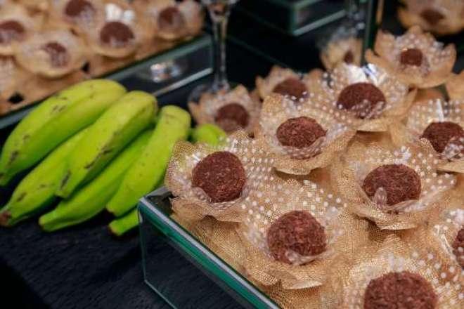 Feito a partir da biomassa da banana verde, o doce desenvolvido pela chef Iracema Bertoco oferece diversos benefícios à saúde.