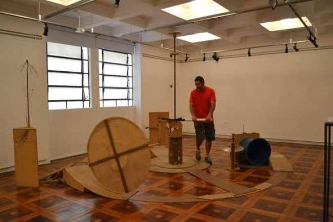 O artista visual Chico Machado, do Rio Grande do Sul,  apresenta Aparelhos para Ritimificação.