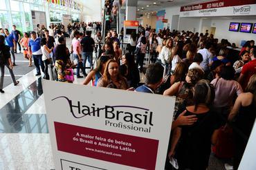 A Hair Brasil é uma feira de negócios para profissionais, distribuidores e empresários da área de beleza, o evento não é aberto ao público-final.