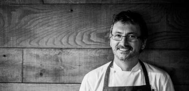 Aduriz é um dos mais influentes nomes da gastronomia atual, conhecido por sua criatividade e inovação na combinação entre vanguarda e cozinha tradicional basca.