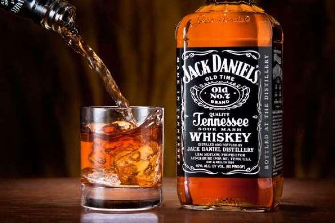 Campanha escolhe conceituados bartenders pelo Brasil para elaborarem os mais criativos coquetéis do Tennessee Whiskey.