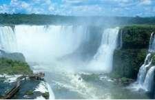 Cataratas são o principal atrativo do Parque Nacional do Iguaçu. (Foto: Christian Knepper)