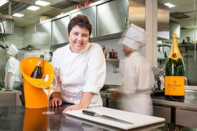 A cozinha de Sudbrack tem raízes nos ingredientes e técnicas tradicionais brasileiras, no entanto é também definida por sua visão contemporânea.