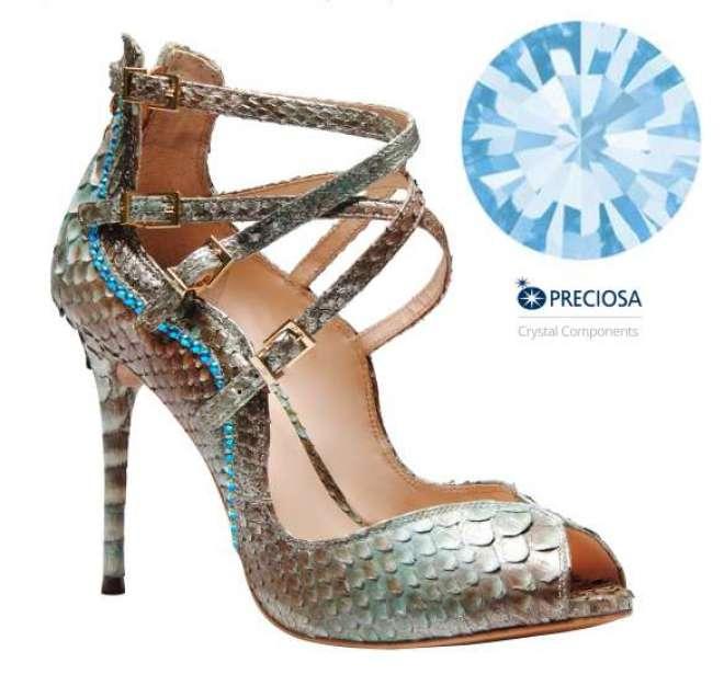Marca do legítimo cristal checo mais uma vez nas criações de luxo do designer gaúcho.