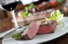 A rede, que já se consolidou internacionalmente por manter as suas tradições desde a abertura do primeiro restaurante em 1979, continua oferecendo os 18 melhores cortes de carnes do mundo.