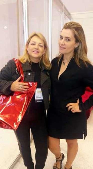 Marta Frediani, editora do CrazyKiwi, com C