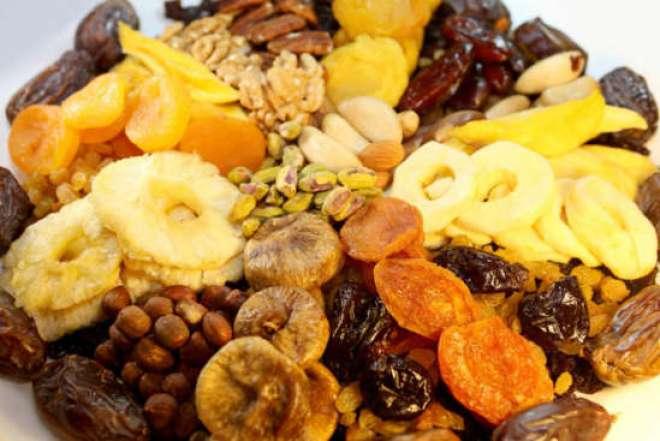 As frutas secas podem ter teor um pouco menor de nutrientes  do que as frutas in natura, por causa da desidratação, mas ainda sim são ótimas.
