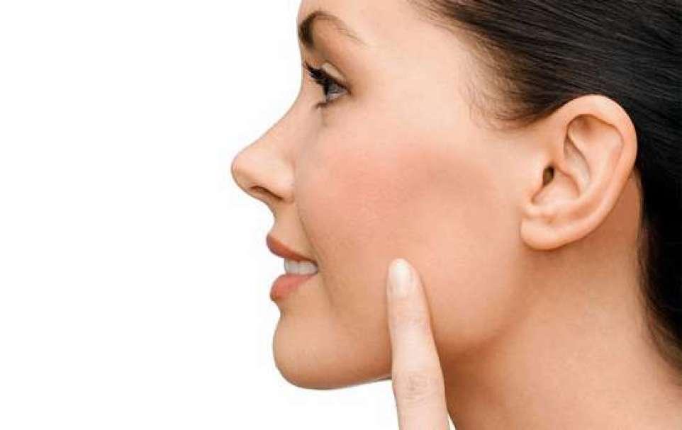 Bichectomia é a nova moda entre as celebridades e promete afinar o rosto em menos de uma hora.