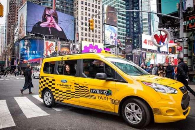 Uma frota de 20 protótipos da Transit Connect híbrida já está rodando em serviço de táxi em Nova York e outras grandes cidades norte-americanas.