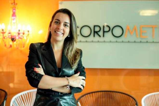 Gabriella Alves, da Corpometria: Não se esqueça de colocar o sono em dia. A agitação pode causar estresse orgânico e neste caso os alimentos antioxidantes são uma excelente pedida.