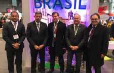 Weverton Rocha, Arthur Lira, ministro Marx Beltrão, Paulo Azi e presidente da Embratur, Vinicius Lummertz, na abertura da feira nesta sexta-feira.