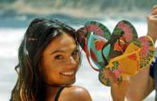 No segundo comercial, a atriz faz brincadeira com banhista e a piada gira em torno da própria campanha da marca.