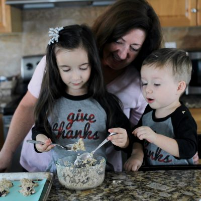 CRANBERRY OATMEAL BREAKFAST COOKIES + FAMILY HOLIDAY MEMORIES