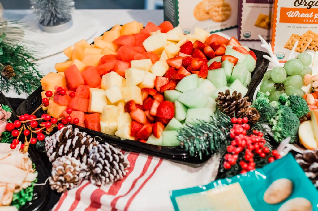 easy holiday entertaining recipes, holiday entertaining ideas christmas, christmas entertaining tips, holiday entertaining food, holiday entertaining trends, how to throw a holiday party, stress free holiday entertaining, holiday entertaining menu