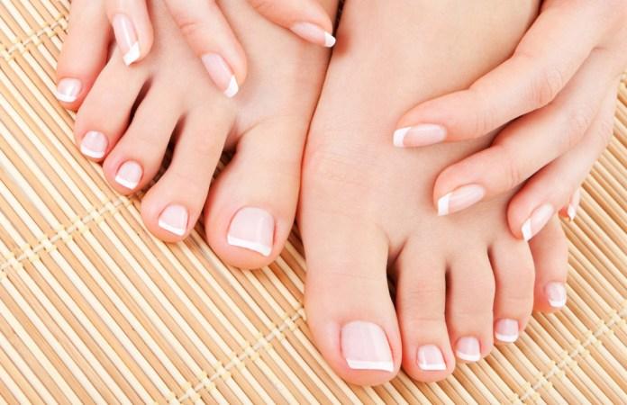 Remedies to Treat Sweaty Palms and Feet