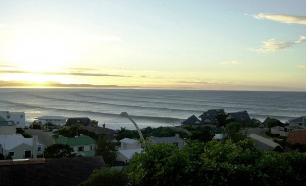 7680671154 f90d506003 b Surfing In South Africa: Wax Up And Hit The Water!