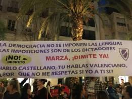 Concentración en Alicante, 10 de marzo del 2017, contra el decreto del plurilingüismo.