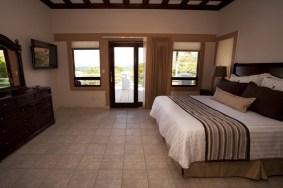 Pura Vida Villa - bedroom1