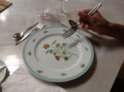 Etiquette, holding a fork
