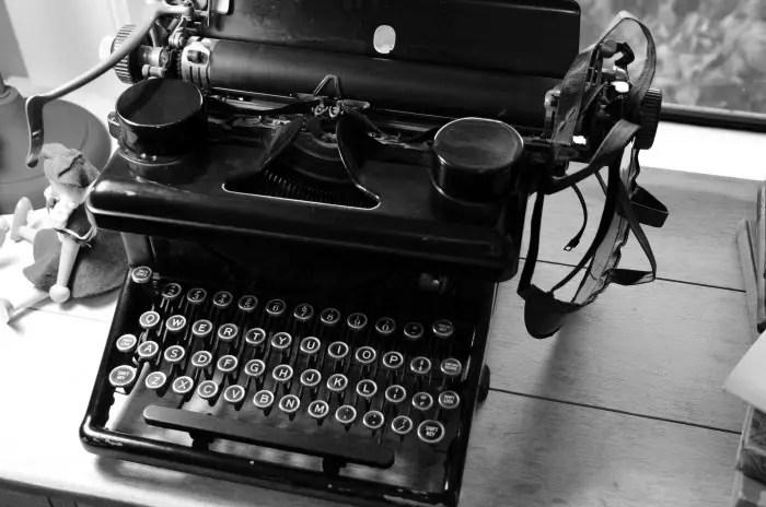 Typewriter-700