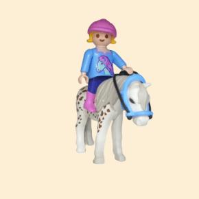 fille à poney - équitation