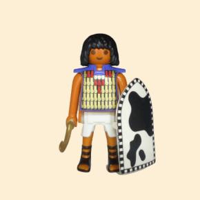 Égyptien, khépesh et bouclier