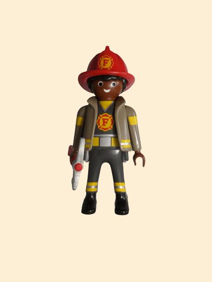 Pompier avec hache