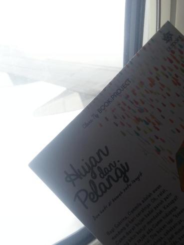 Buku Hujan dan Pelangi di Langit :)