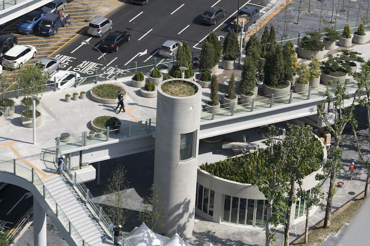 Cette autoroute abandonnée a été transformée en parc avec 24 000 plantes