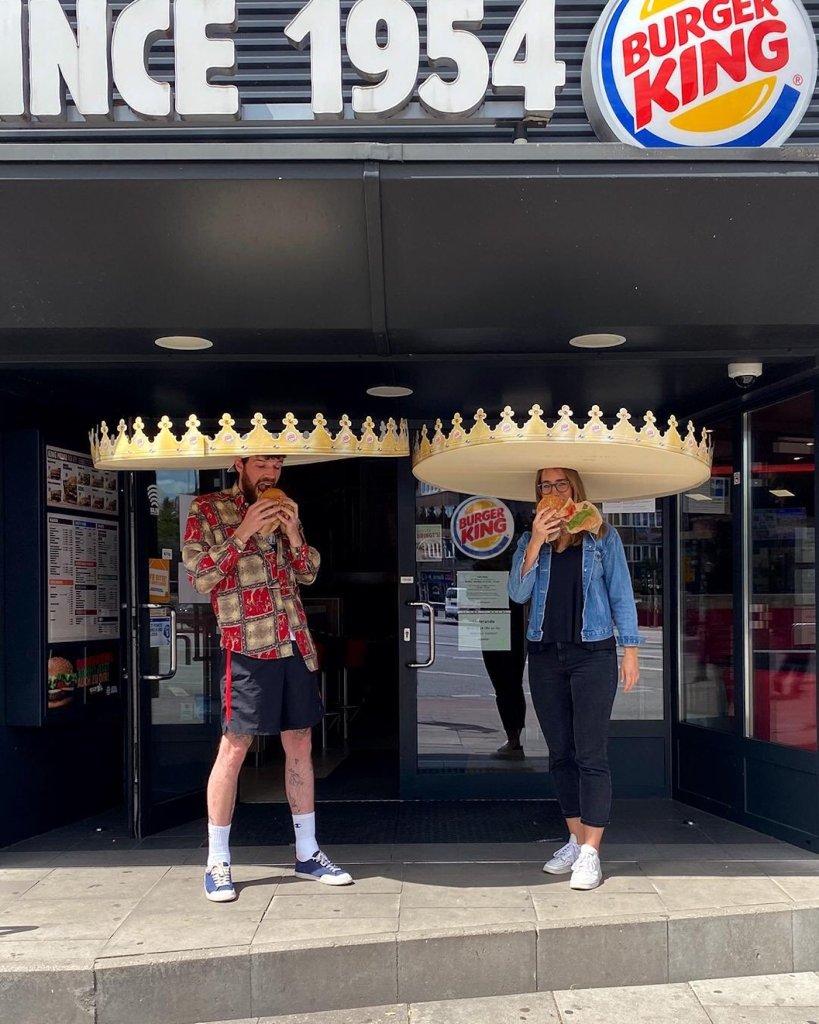 Burger King donne des couronnes de la taille d'un sombrero pour la distanciation physique