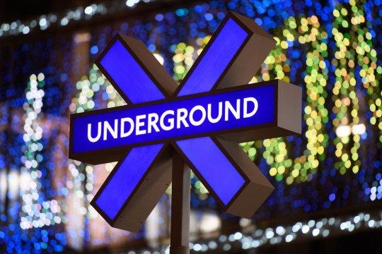 Sony détourne la signalétique du métro de Londres pour la sortie de PlayStation 5.