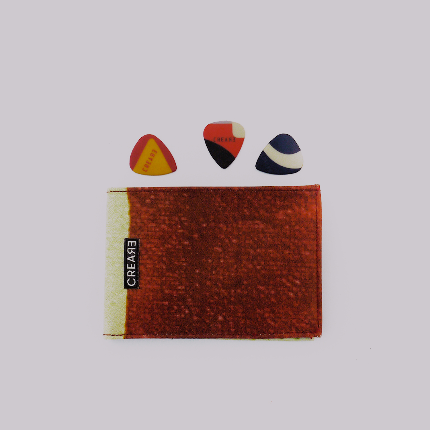eco-guitar-pick-wallet-creare-red-2