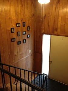 Entryway Gallery | Mini DIY Gallery Wall | KSAVAGER