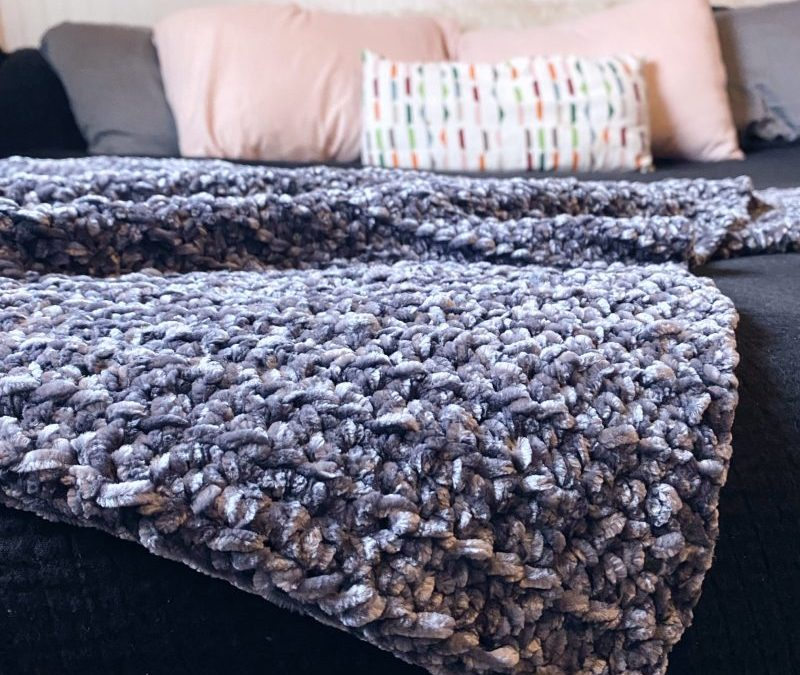 Free Crochet Pattern: The Velvet Throw Blanket