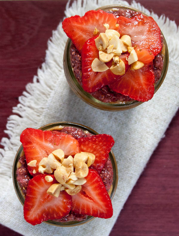 Peanut Butter and Jelly Chia Pudding (vegan, gluten free) - Ready for a new way to eat your peanut butter and jelly! This healthy pudding is a great way to start your day.